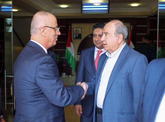الحمد الله يستقبل رئيس الوزراء الأردني الأسبق ويطلعه على أخر التطورات