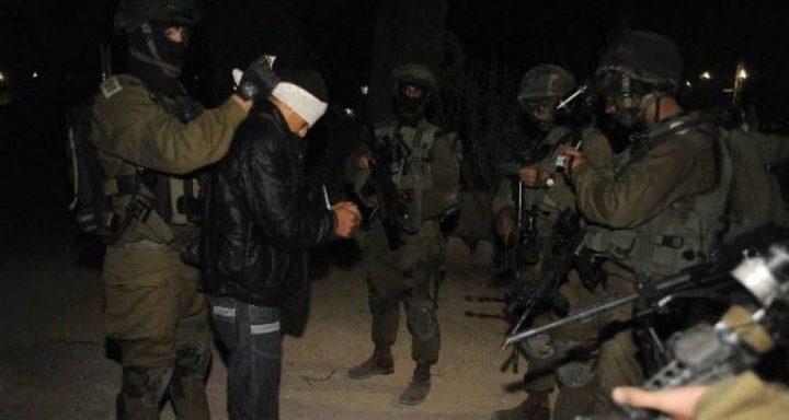 حملة اعتقالات ومداهمات بالضفة