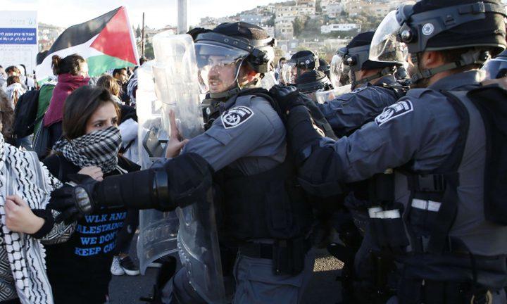 شرطة الاحتلال تعتقل شاباً وفتاة في مظاهرة بوادي عارة تضامناً مع غزة