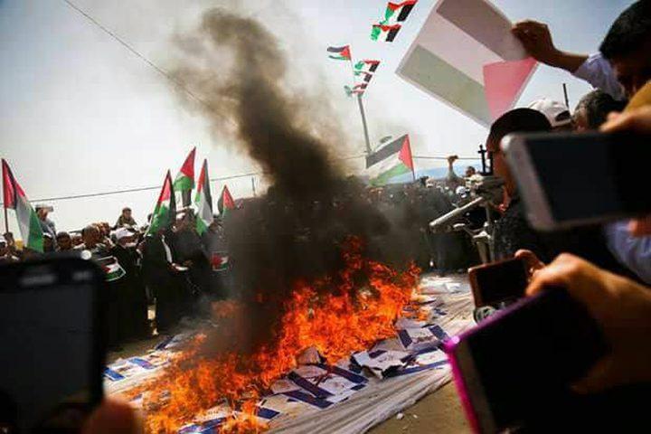"""في جمعة """"رفع العلم"""".. شهيد و1000 إصابة برصاص الاحتلال على حدود غزة (مُحدّث)"""