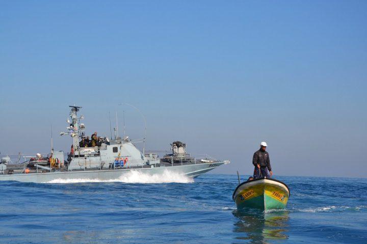زورق للإحتلال يصدم مركب فلسطيني ببحر السودانية