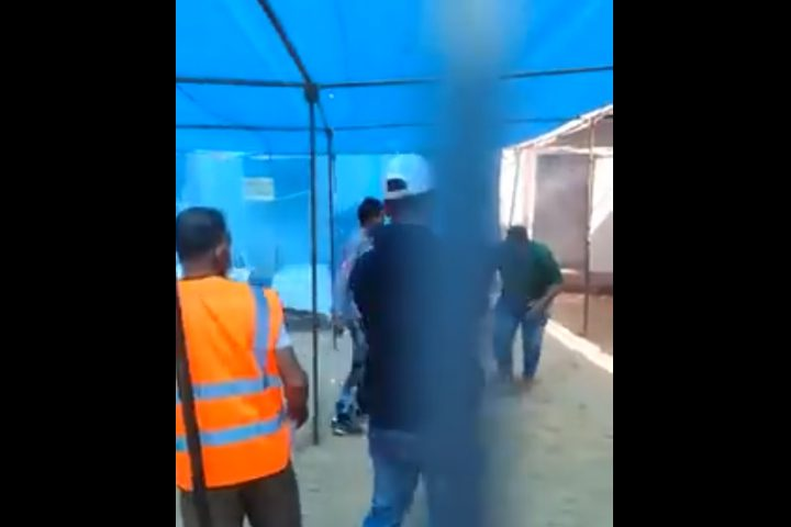 10 اصابات جراء استهداف الاحتلال النقطة الطبية شرق خان يونس(فيديو)