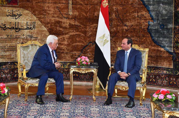 الرئيس عباس يبحث مع نظيره المصري آخر مستجدات القضية الفلسطينية