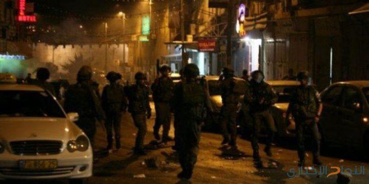 اندلاع مواجهات عنيفة وعطل في جيب عسكري للإحتلال في مخيم العرروب بالخليل
