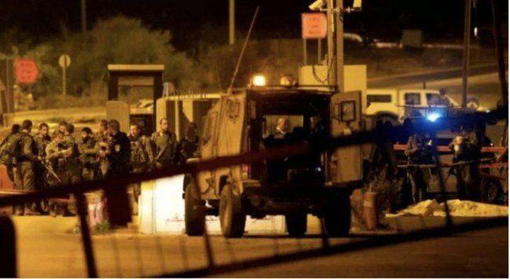 الاحتلال يعتقل 4 شبان غرب رام الله
