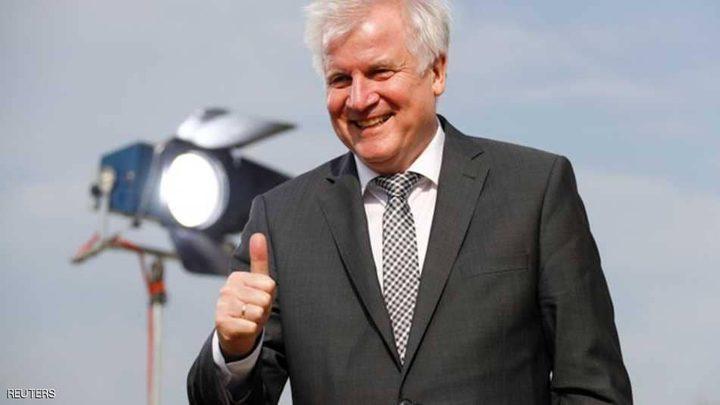 وزير الداخلية الألماني يرفض طلبا نقابيا بزيادة الرواتب