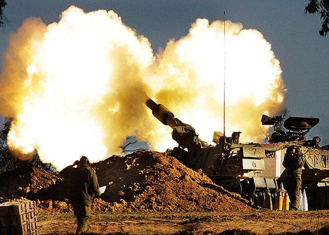 الاعلام العبري: إطلاق نار تجاه موقع للإحتلال شرق دير البلح