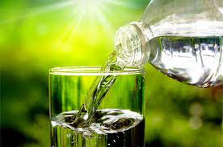 لا يجب شرب 8 أكواب من المياه يومياً والسبب النظام الغذائي