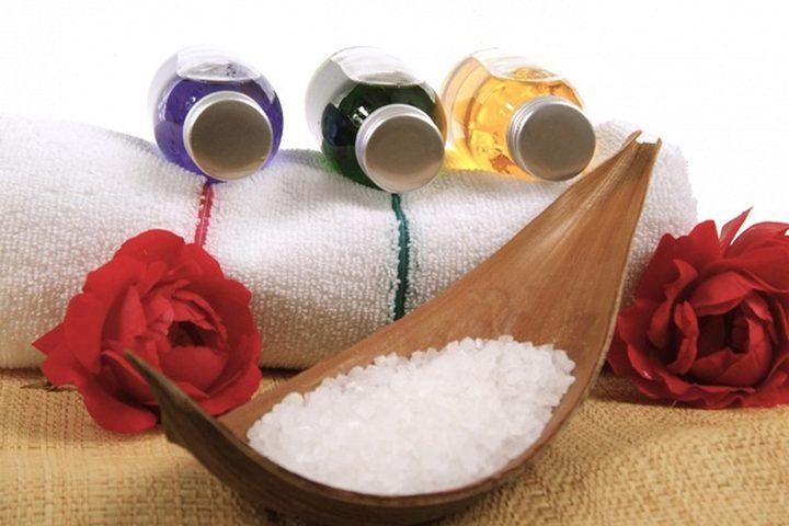 الملح لعلاج قشرة الرأس وتساقط الشعر والبثور