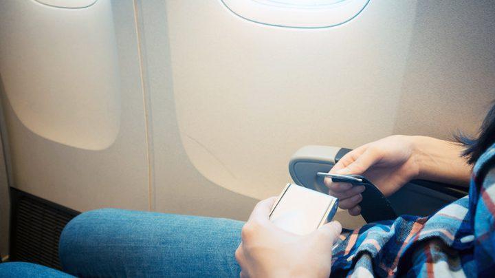 لماذا أحزمة الأمان في الطائرة تختلف عن السيارة؟