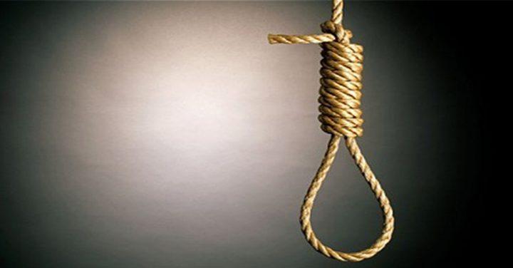 الشرطة والنيابة تحققان بظروف وفاة فتى وجد مشنوقا