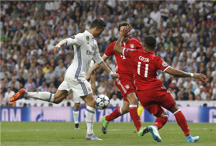مفاجأة في تشكيل ريال مدريد.. والبافاري بالقوة الضاربة