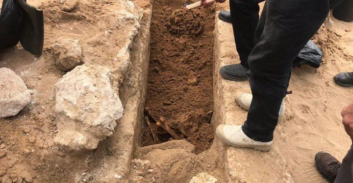 الكشف عن مقبرة إسلامية في يافا خلال عمليات تنقيب لبلدية الإحتلال