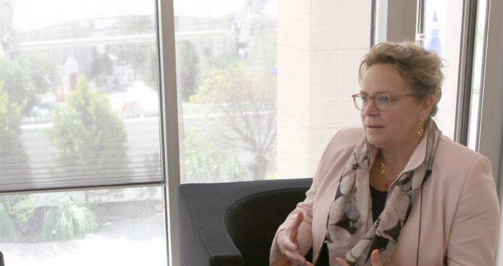 السفيرة الهولندية تؤكد أن بلادها لن تنقل سفارتها إلى القدس