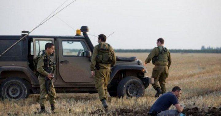الاحتلال يعتقل شاب شرق غزة بزعم اتلاف معدات خاصة به