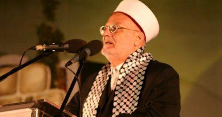 الاحتلال يمنع خطيب الأقصى الشيخ عكرمة صبري من السفر