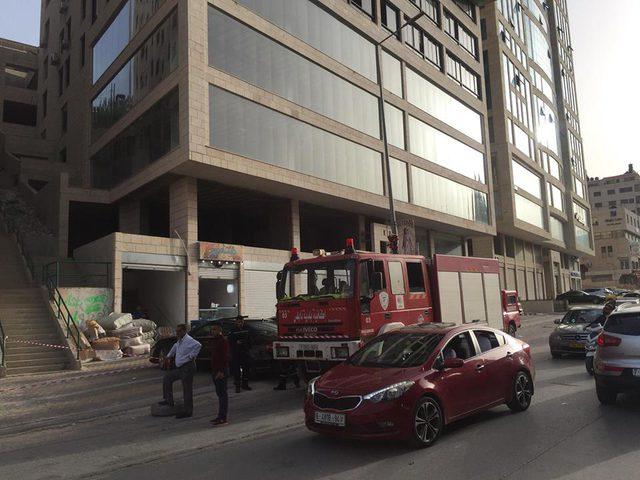 بالصور: لهذا السبب تم إغلاق شارع رفيديا في نابلس!