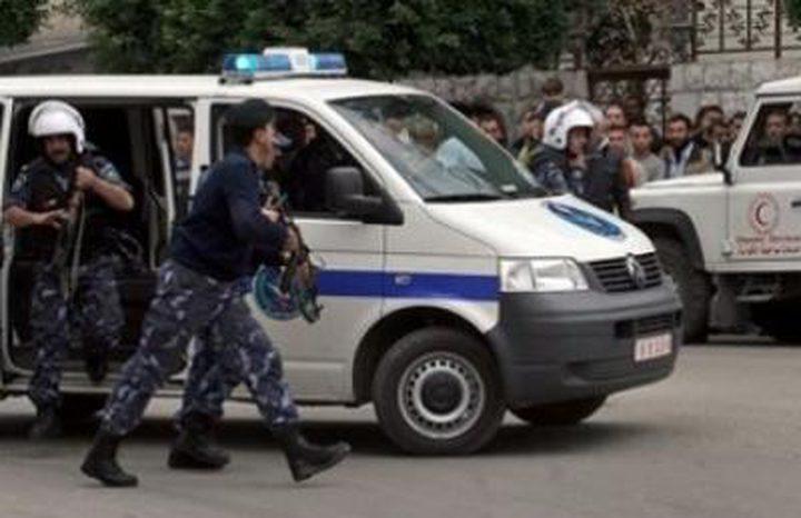 إصابة 3 مواطنين بجروح إحداها خطيرة في شجار عائلي