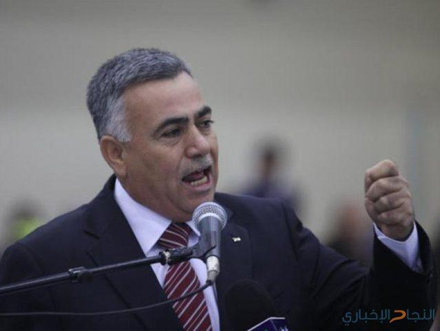 الأعرج يوقع اتفاقية تنفيذ مجموعة من المشاريع في محافظة غزة
