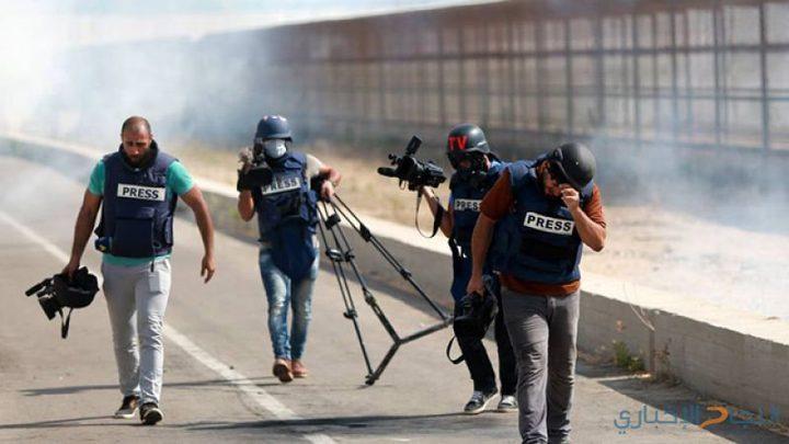 إصابة 3 صحفيين خلال تغطيتهم المظاهرات قرب حدود غزة