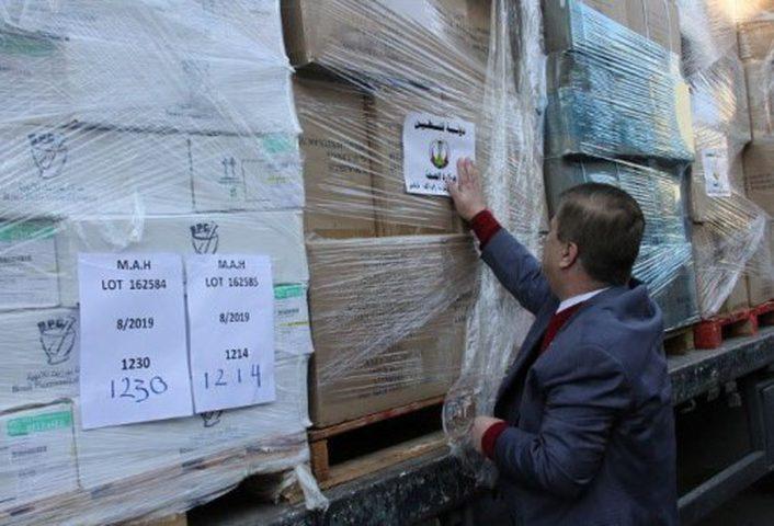 بتعليمات من الرئيس: وزير الصحة يوعز بإرسال 20 شاحنة أدوية متنوعة إلى غزة