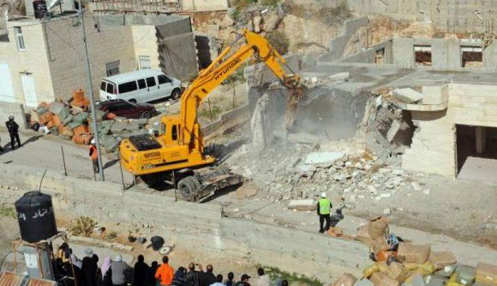 الاحتلال يُخطر بهدم 3 منازل شمال القدس خلال 72 ساعة