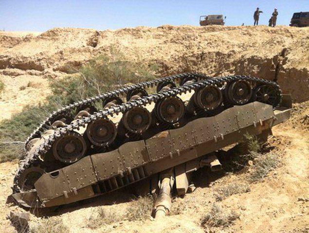 انقلاب دبابة إسرائيلية شرق بيت حانون