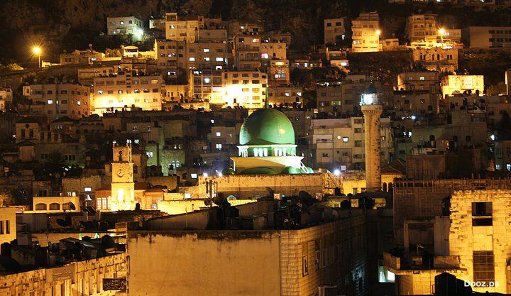 في نابلس.. مساجد تستقبل رمضان دون أئمة