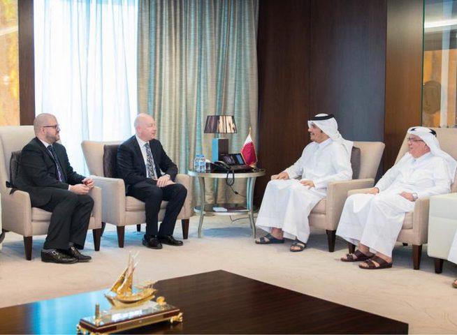 غرينبلات يجتمع مع وزير خارجية قطر و العمادي بشأن غزة