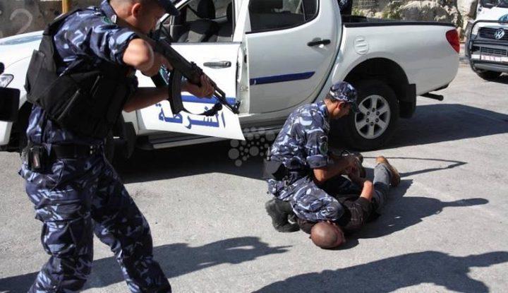 الشرطة تلقي القبض على فار من العدالة