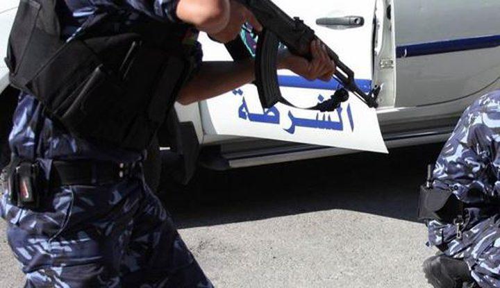 شرطة نابلس تقبض على فار من وجه العدالة