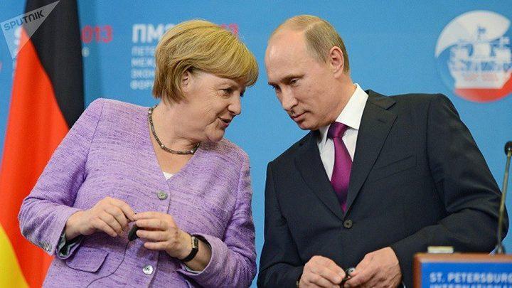 بوتين وميركل يؤكدان عزم بلديهما الإسهام في العملية السياسية بسوريا