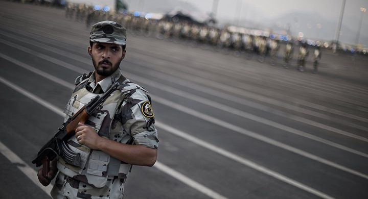 """السعودية تكشف عن هوية المتهمين بالتواصل """"المشبوه"""" مع جهات أجنبية"""
