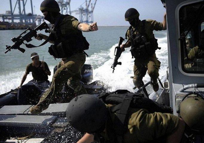 بحرية الاحتلال تستهدف صيادي غزة ليلاً