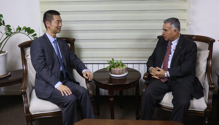 الأعرج يبحث مع السفير الصيني دعم تنفيذ مشاريع تطويرية استراتيجية