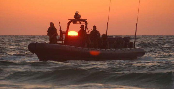 زوارق الاحتلال تطلق النار تجاه مراكب الصيادين في عرض بحر غزة