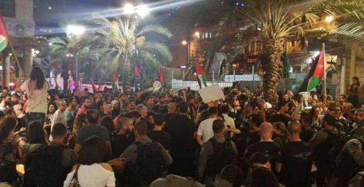 ليبرمان يهدد بسجن النواب العرب في الكنيست لانتقادهم شرطة الإحتلال