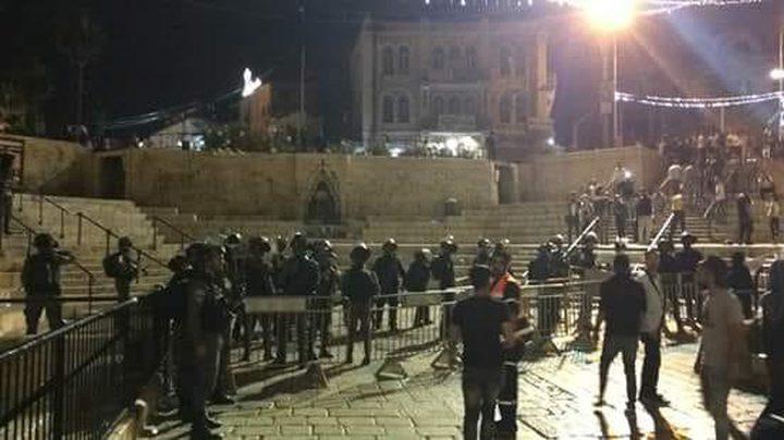 قوات الاحتلال تغلق باب العامود عقب الاعتداء على المواطنين