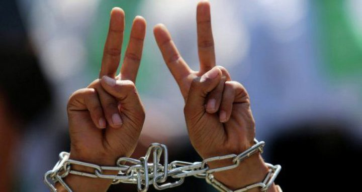 الأسرى يعلنون الحداد 3 أيام عقب استشهاد الأسير عويسات