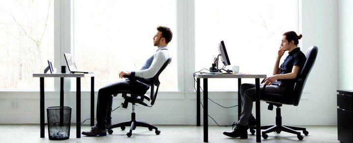 دراسات: تصفح الإنترنت في العمل لا يؤثر  على الإنتاجية