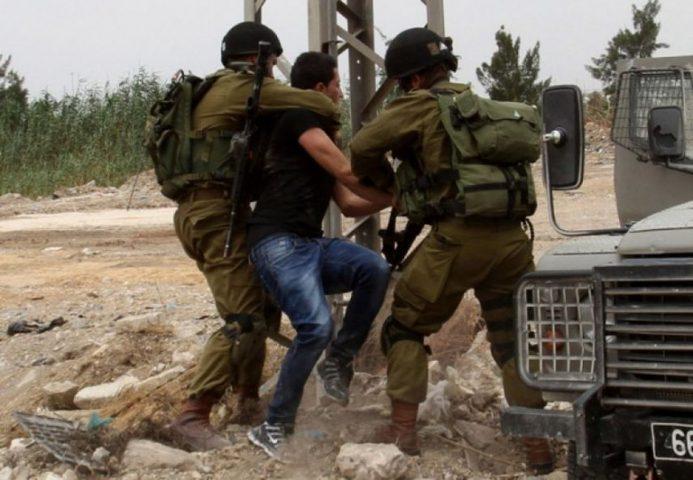 نادي الأسير: قوات الاحتلال تعتدي على أسيرين بالضرب خلال اعتقالهما
