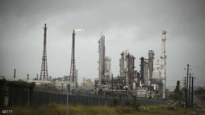 بعد مسيرة صعود.. النفط ينخفض