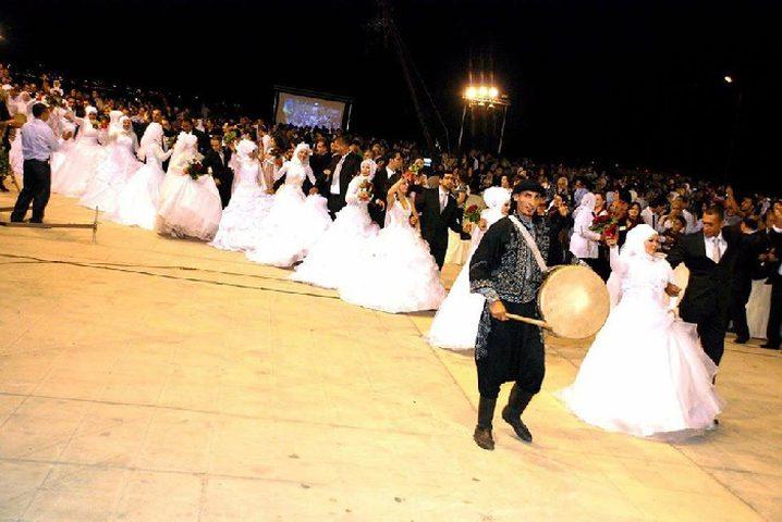 الاعلان عن اطلاق مبادرة الزفاف الجماعي في نابلس