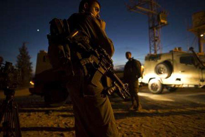 الإعلام العبري: قوات الاحتلال يعتقل فلسطينيًا تسلل شرق قطاع غزة