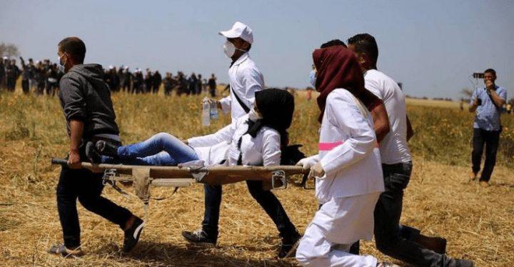 مركز حقوقي: الاحتلال يتعمد استهداف الطواقم الطبية