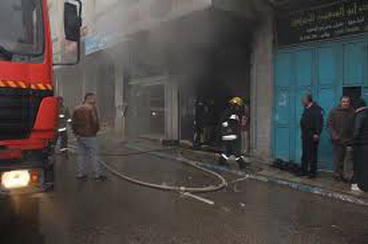 اندلاع حريق  بعمارة سكنية في نابلس(فيديو)