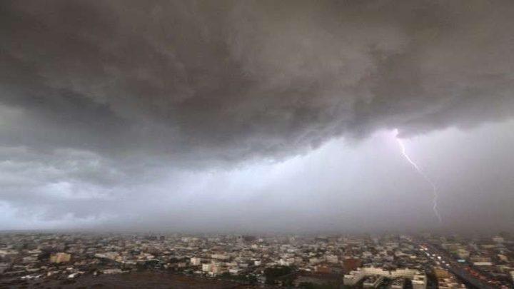"""الإعصار """"مكونو"""" يصل للسعودية اليوم"""