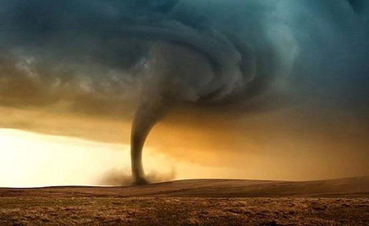 """إعصار """"ماكونو"""" يصل مديرية شحن اليمنية"""