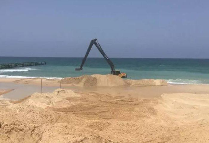 إسرائيل تبدأ بناء حاجز بحري مع غزة