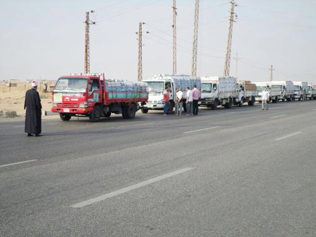 انطلاق قافلة المساعدات الثانية المقدمة من الأزهر إلى قطاع غزة